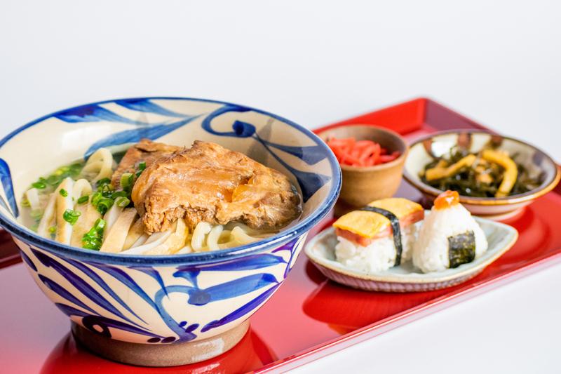 【週替り】自家製麺沖縄そばすた(沖縄そば&おにぎり)